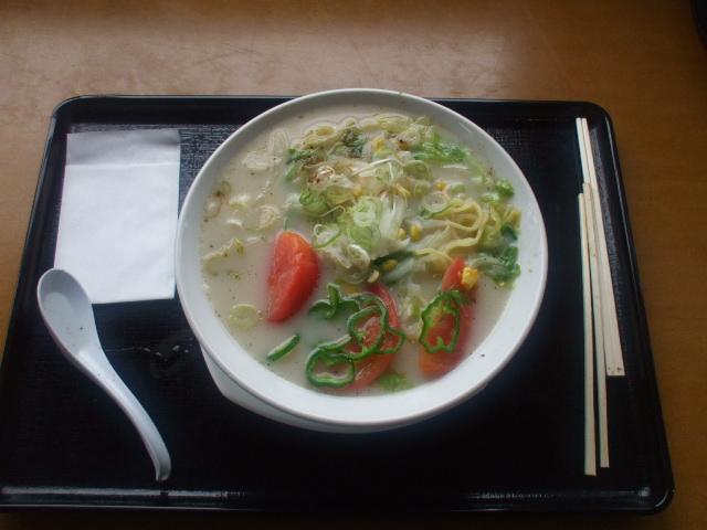 高原野菜と牛乳の塩ラーメン