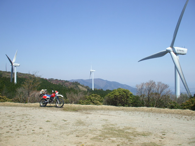 風車とXLR250R